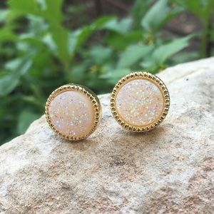 🆕Druzy Quartz Stud Earrings!!!✨✨